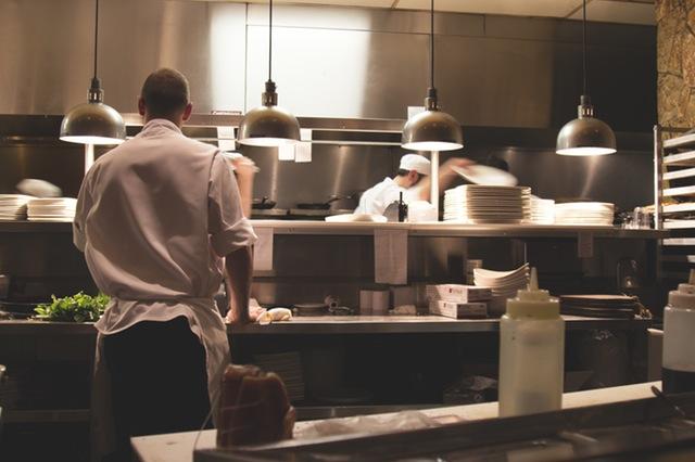 restaurant photo from pexels.com