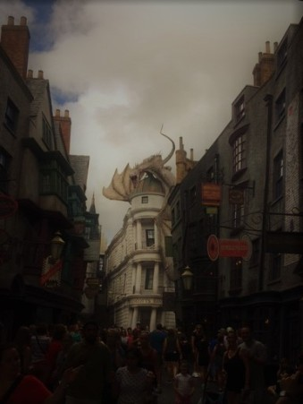 diagon alley w dragon