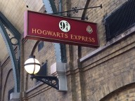 Hogwarts sign 9 three quarters