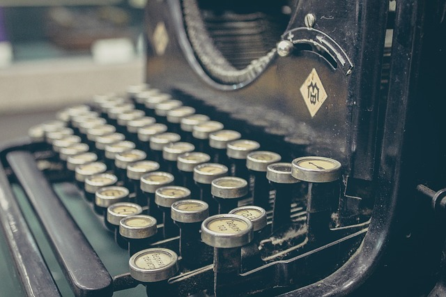 typewriter-407695_640(1)
