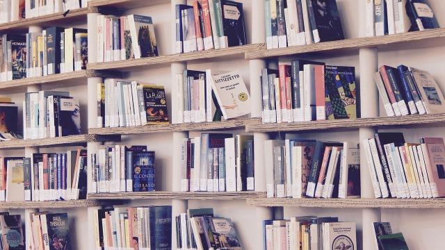 books-1617327_1280